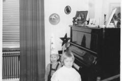 Luciatåg av kusinerna Anna-Lena och Stig-Olof (Stigge) Persson